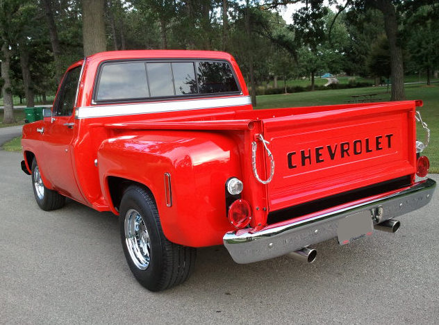 1974 Chevrolet C10 Pickup 350 CI, Automatic presented as lot T117 at St. Charles, IL 2011 - image4
