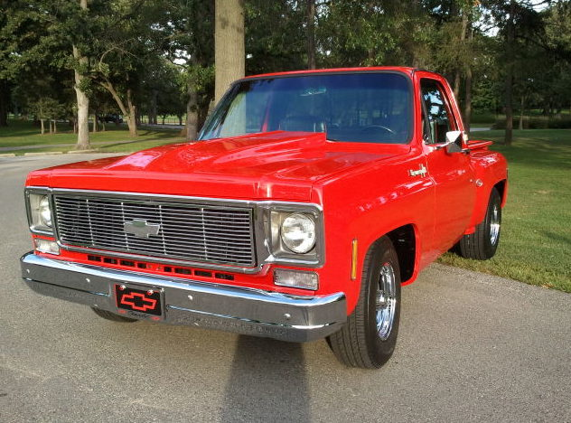 1974 Chevrolet C10 Pickup 350 CI, Automatic presented as lot T117 at St. Charles, IL 2011 - image5