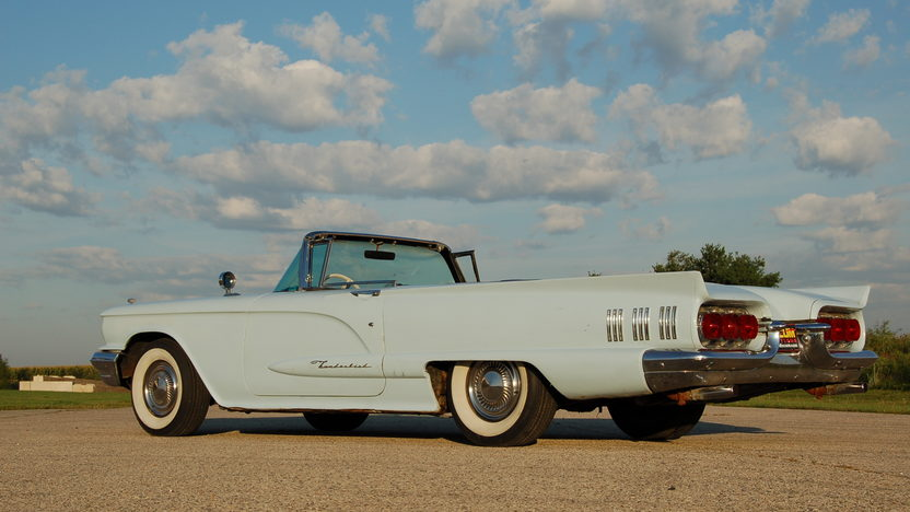 1960 Ford Thunderbird Convertible 430 CI, Automatic presented as lot U53 at St. Charles, IL 2011 - image3