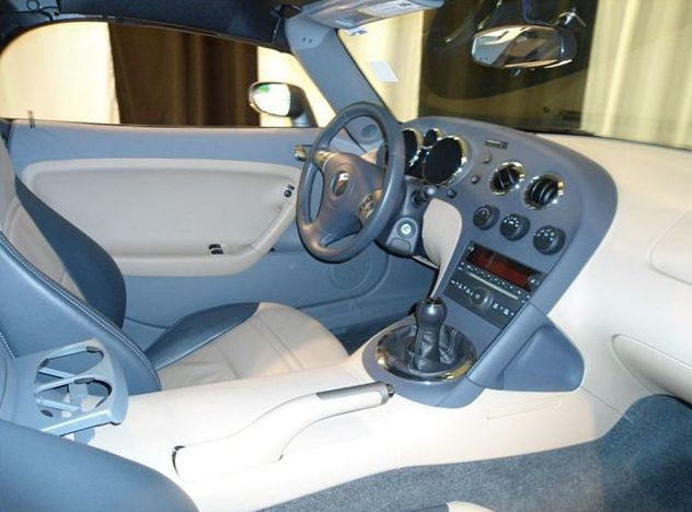 2006 Pontiac Solstice Convertible presented as lot T195.1 at St. Charles, IL 2011 - image4