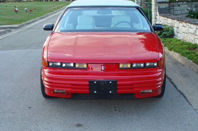 1994 Oldsmobile Cutlass Convertible 3.4L, Automatic presented as lot T225.1 at St. Charles, IL 2011 - image2