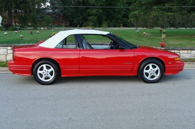 1994 Oldsmobile Cutlass Convertible 3.4L, Automatic presented as lot T225.1 at St. Charles, IL 2011 - image6