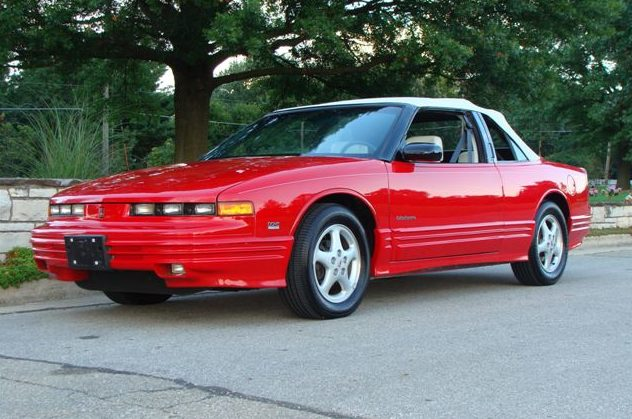 1994 Oldsmobile Cutlass Convertible 3.4L, Automatic presented as lot T225.1 at St. Charles, IL 2011 - image8