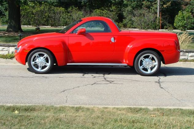2003 Chevrolet SSR presented as lot S150.1 at St. Charles, IL 2011 - image2