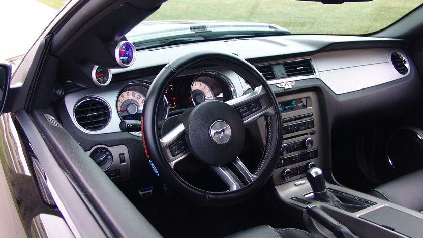 2011 Ford Mustang GT Pegasus 650 HP presented as lot U131.1 at St. Charles, IL 2011 - image3