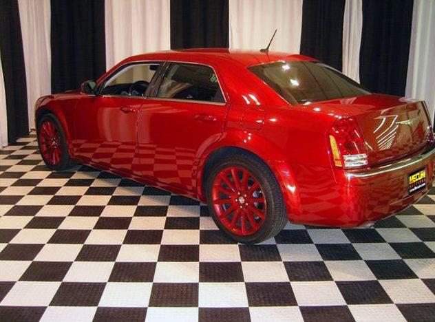 2008 Chrysler 300 SRT Sedan 5.7L Hemi, Automatic presented as lot U140.1 at St. Charles, IL 2011 - image3
