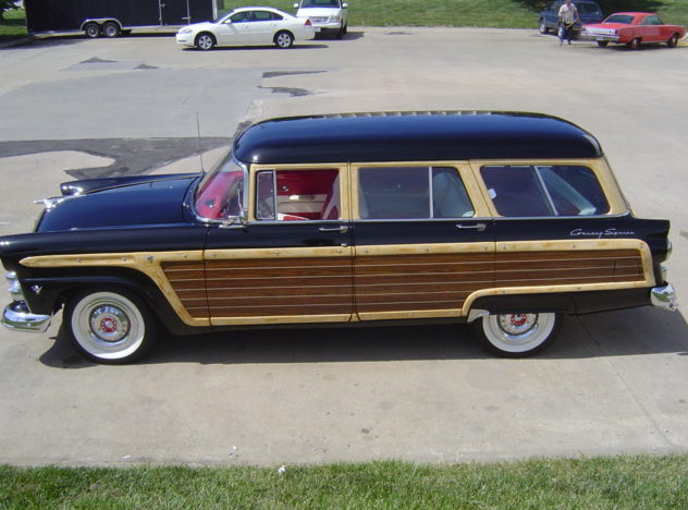 1955 Ford Country Squire Station Wagon 292/195 HP, Automatic presented as lot S87 at St. Charles, IL 2009 - image3