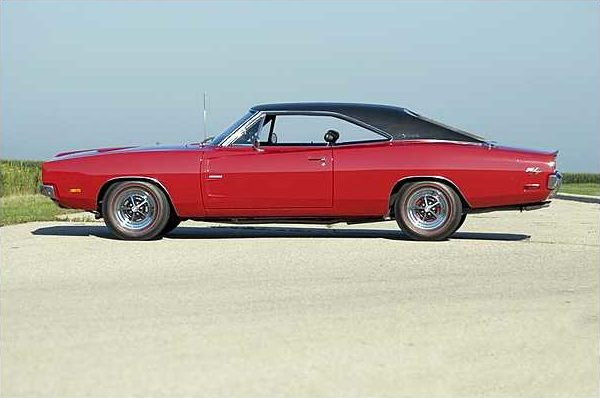 1969 Dodge Hemi Charger R/T 426/425 HP, 4-Speed with 13,645 Actual Miles presented as lot S95 at St. Charles, IL 2010 - image8
