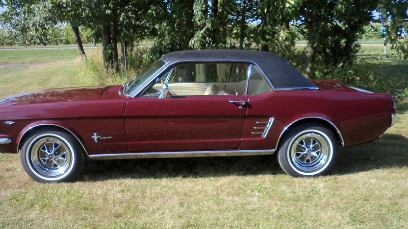 1966 Ford Mustang Coupe presented as lot F89 at Schaumburg, IL 2013 - image2