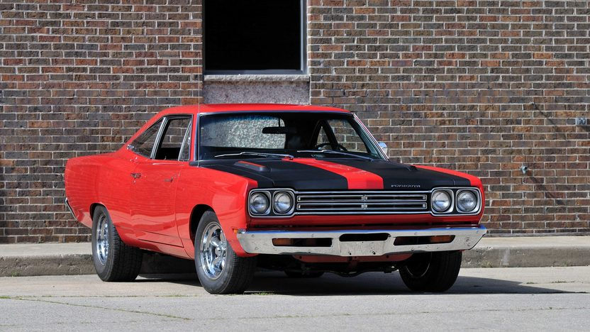 1969 Plymouth Road Runner Coupe 383 CI, Automatic presented as lot F118 at Schaumburg, IL 2013 - image11