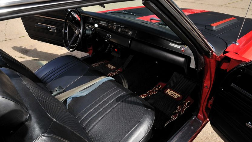 1969 Plymouth Road Runner Coupe 383 CI, Automatic presented as lot F118 at Schaumburg, IL 2013 - image5