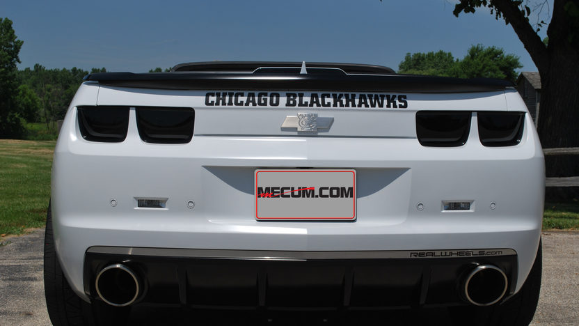 2012 Chevrolet Camaro SS Convertible Chicago Blackhawks Theme presented as lot F184 at Schaumburg, IL 2013 - image3