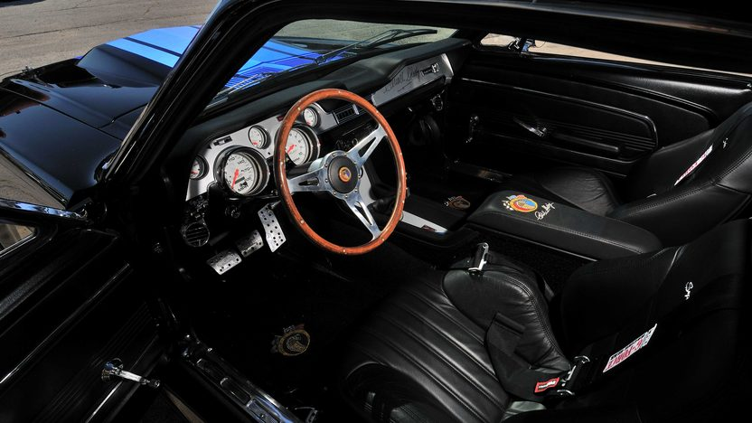 1967  Shelby GT500SE 427/816 HP, 5-Speed presented as lot S120 at Schaumburg, IL 2013 - image4