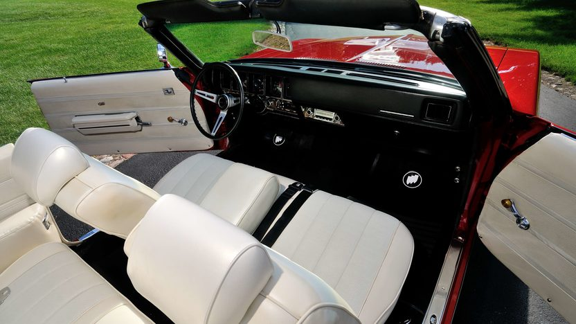 1970 Buick GS Stage 1 Convertible presented as lot S129 at Schaumburg, IL 2013 - image5
