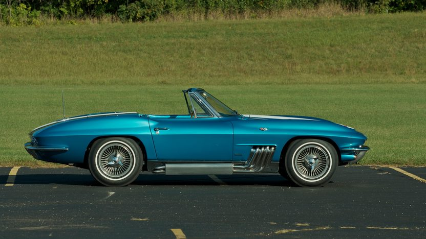 1963 Harley J. Earl Corvette presented as lot S110 at Schaumburg, IL 2013 - image3