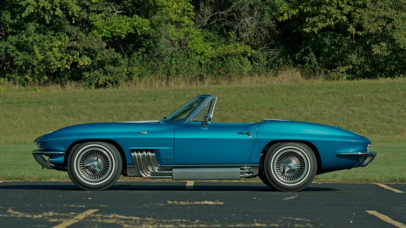 1963 Harley J. Earl Corvette presented as lot S110 at Schaumburg, IL 2013 - image4