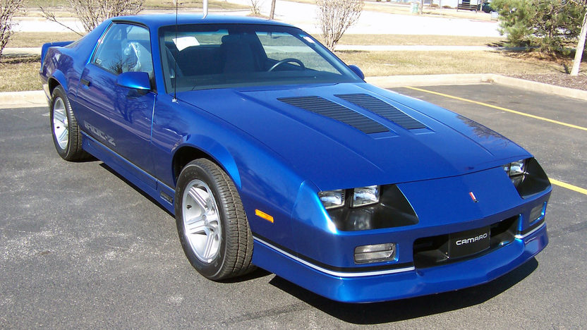 1990 Chevrolet Camaro IROC-Z 1LE 121 Miles, 1 of 34 Built | Mecum Auctions