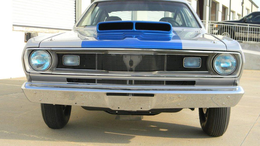 1976 Plymouth Duster 540 CI, 4-Speed presented as lot T197 at Dallas, TX 2012 - image8