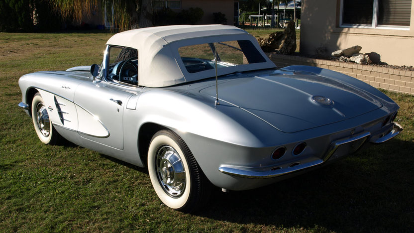 1961 Chevrolet Corvette Big Brake Fuelie 283/315 HP, 4-Speed presented as lot S164 at Dallas, TX 2012 - image2