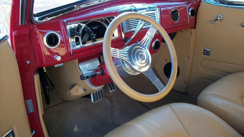 1938 Buick  Convertible presented as lot S216 at Dallas, TX 2012 - image4