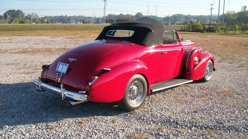 1938 Buick  Convertible presented as lot S216 at Dallas, TX 2012 - image5