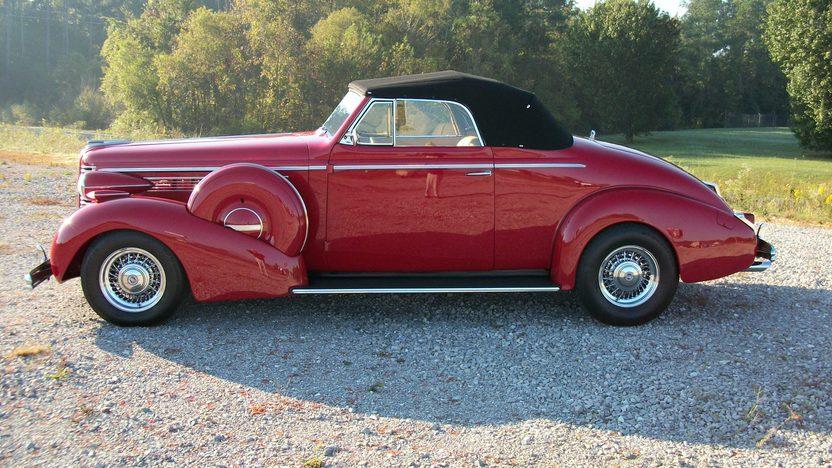 1938 Buick  Convertible presented as lot S216 at Dallas, TX 2012 - image6
