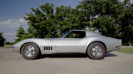 1968 Chevrolet Corvette Coupe 427/435 HP, 4-Speed with 9,031 Miles presented as lot W69 at Dallas, TX 2012 - thumbail image9