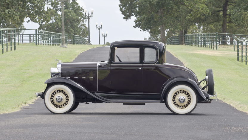 1932 Chevrolet Confederate Deluxe Coupe Restored 5 Window Coupe presented as lot W86 at Dallas, TX 2012 - image3