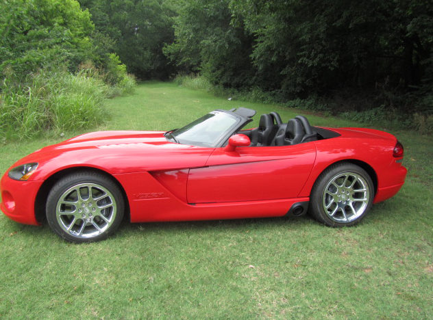 2003 Dodge Viper Convertible 550 HP, 6-Speed presented as lot S205 at Dallas, TX 2012 - image2