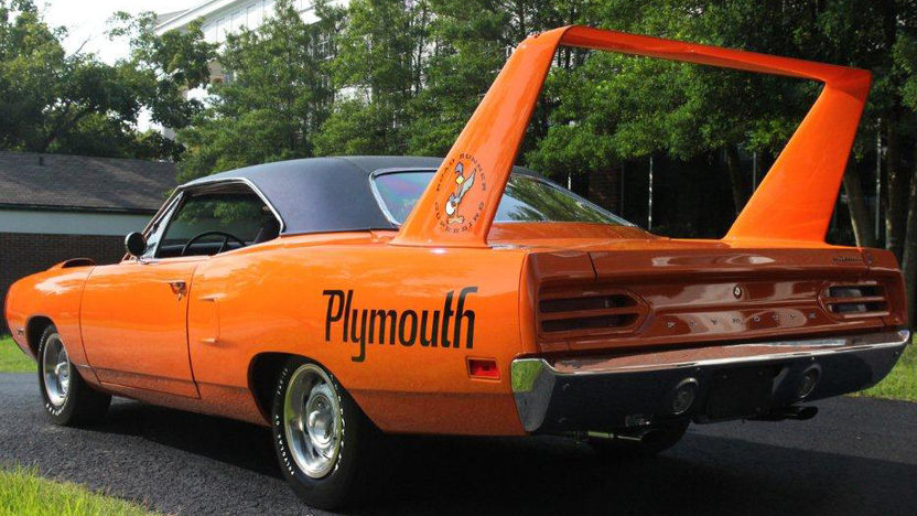 1970 Plymouth Superbird 440/390 HP, Automatic presented as lot S166 at Dallas, TX 2012 - image2