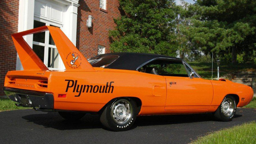 1970 Plymouth Superbird 440/390 HP, Automatic presented as lot S166 at Dallas, TX 2012 - image6