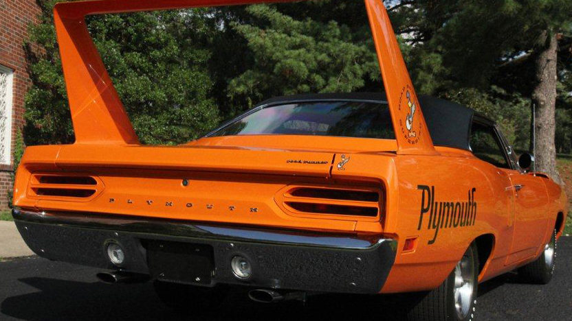 1970 Plymouth Superbird 440/390 HP, Automatic presented as lot S166 at Dallas, TX 2012 - image7