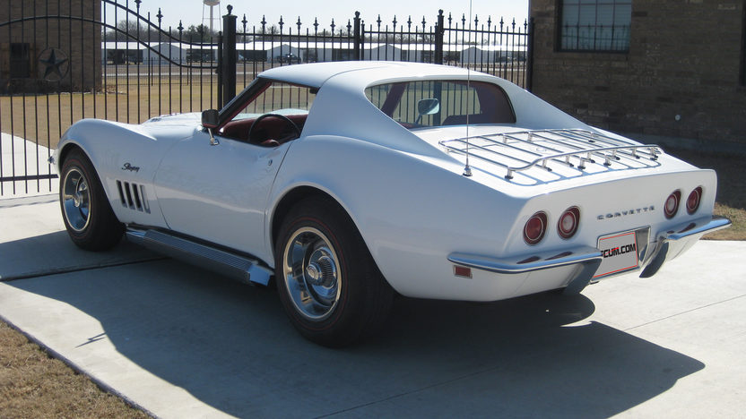 1969 Chevrolet Corvette Coupe 427/390 HP, Automatic presented as lot W94 at Dallas, TX 2013 - image3