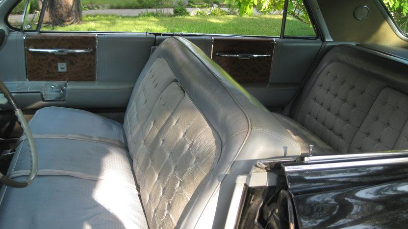 1962 Cadillac Fleetwood 60 Special Sedan presented as lot W106 at Dallas, TX 2013 - image4