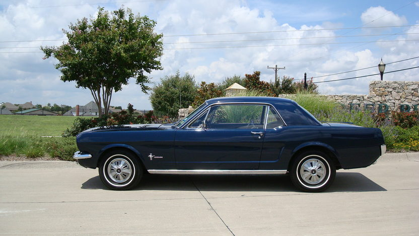 1966 Ford Mustang 200 CI, Automatic presented as lot W141 at Dallas, TX 2013 - image9