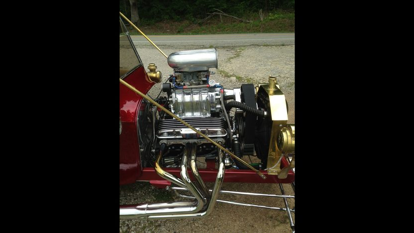 1923 Ford T-Bucket 327/448 HP, Automatic presented as lot T102 at Dallas, TX 2013 - image5