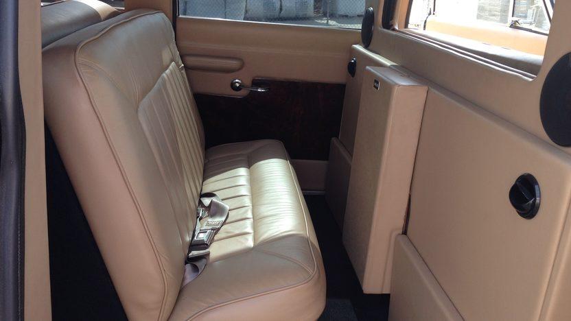 1969 Checker Aerobus presented as lot T214 at Dallas, TX 2013 - image5