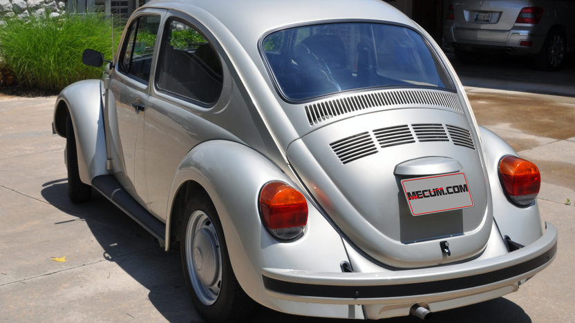 1977 Volkswagen Beetle presented as lot F48 at Dallas, TX 2013 - image2