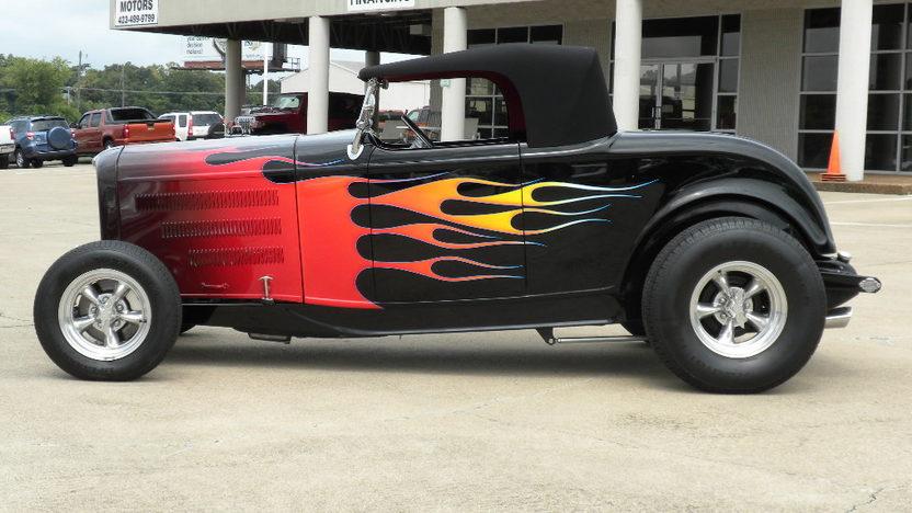 1932 Ford Hi-Boy Street Rod 350 CI, Automatic presented as lot F170 at Dallas, TX 2013 - image2