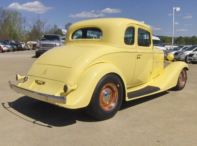 1933 chevrolet 5 window coupe street rod mecum dallas for 1933 chevy 5 window coupe