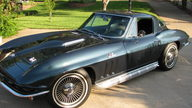 1966 Chevrolet Corvette Coupe 427/390 HP, 4-Speed presented as lot S48 at Dallas, TX 2013 - thumbail image7