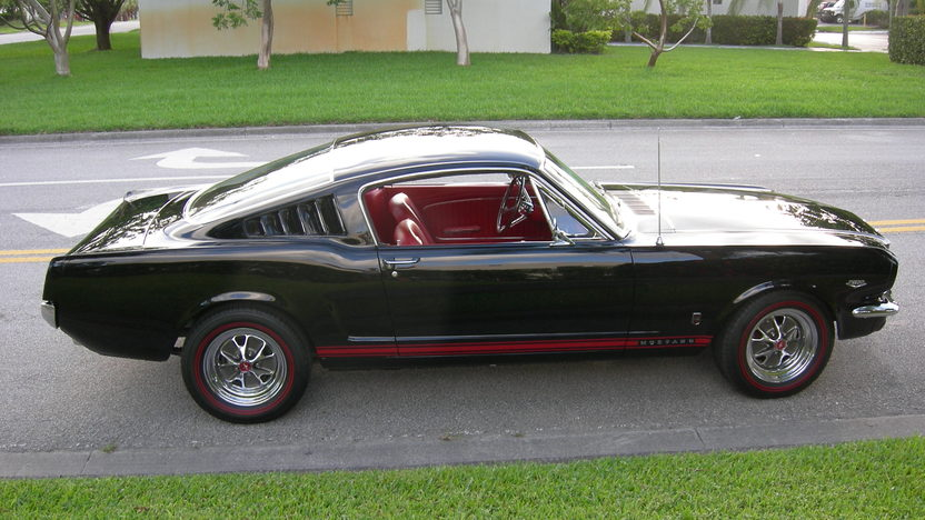 1966 Ford Mustang GT Fastback K-Code 289/271 HP, 4-Speed presented as lot S83 at Dallas, TX 2013 - image9
