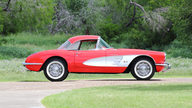 1960 Chevrolet Corvette Fuelie 283 CI, 4-Speed presented as lot S105 at Dallas, TX 2013 - thumbail image2