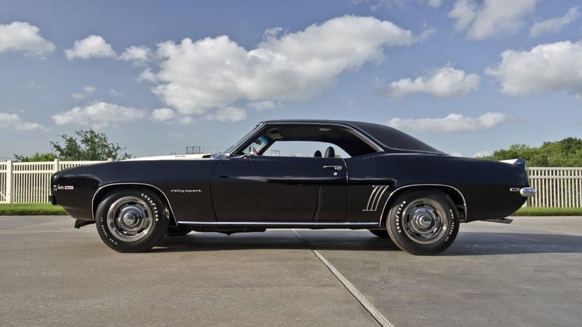 1969 Chevrolet Camaro RS Z28 JL8 4-Wheel Disc Brakes, Cross Ram Intake presented as lot S124 at Dallas, TX 2013 - image12