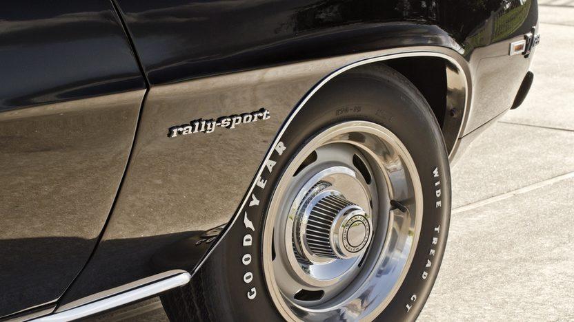 1969 Chevrolet Camaro RS Z28 JL8 4-Wheel Disc Brakes, Cross Ram Intake presented as lot S124 at Dallas, TX 2013 - image5