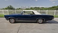 1965 Pontiac GTO Convertible 389 CI, 5-Speed, PHS Documentation presented as lot S129 at Dallas, TX 2013 - thumbail image3