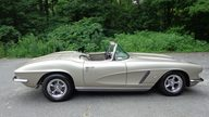 1962 Chevrolet Corvette Convertible 327/340 HP, 4-Speed presented as lot S187 at Dallas, TX 2013 - thumbail image2
