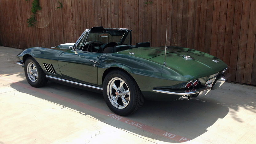 1967 Chevrolet Corvette Convertible 427/400 HP, 4-Speed presented as lot S190 at Dallas, TX 2013 - image3