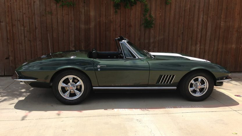 1967 Chevrolet Corvette Convertible 427/400 HP, 4-Speed presented as lot S190 at Dallas, TX 2013 - image8