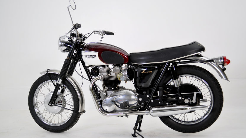 1967 Triumph Bonneville T120r 650 CC presented as lot T56 at Dallas, TX 2011 - image2